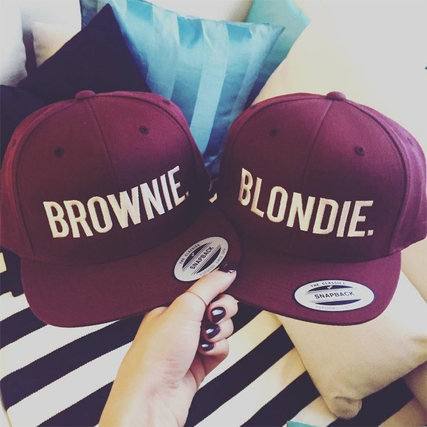 BLONDIE SNAPBACK BORDEAUX